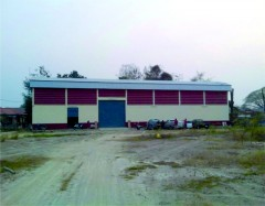 Warehouse in good location on large plot
