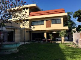 Very interesting house with business potential in the heart of downtown Chiang Rai.