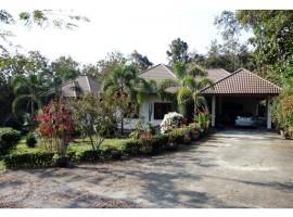 House for sale in Chiang rai: Beautiful house with garden (2 Rai)