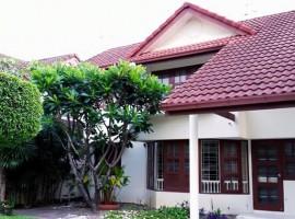 House for rent in Bangkok: Sommakorn Village, Sukapiban 3