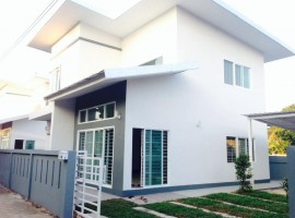 House for sale/Rent in Chiang rai: 2 Bedrooms, 50 Tarangwa, Rop Wiang.