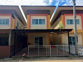 บ้านให้เช่าและขายแถวริมกก: 3 ห้องนอน, 8,000 บาท/เดือน
