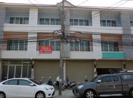 Office Home for rent in Chiang rai: 20,000 THB, 4 Bedrooms, Rob Wiang.