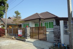 House for sale in Chiang rai: 1.95 Mil, 50 Tarangwa, Rop Wiang.