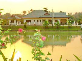 บ้านขายและให้เช่าใกล้สนามก๊อฟสันติบุรี เชียงราย : เนื้อที่ 2 งาน 43 ตรว., 2 ห้องนอน, 6.9 ล้านบาท