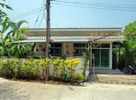 บ้านให้เช่า ตกแต่งพร้อมอยู่ พร้อมสวนขนาดเล็ก เงียบสงบเหมาะแก่การพักอาศัย