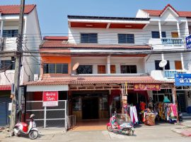 Office Home for rent in Chiang rai: 2 Bedrooms, 12,000 Baht per. month, Sankongnoi, Ropwiang.