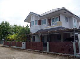 House for sale in Chiang rai: 1 Ngan 2 Tarangwa, House size: 340 Sqm., 5 Bedrooms, 6,999,999 Baht, Rimkok, Chiangrai.