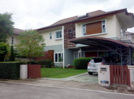 House for sale in Chiang rai: 6 bedrooms, 11 Million Baht, Rimkok, Chiang Rai.