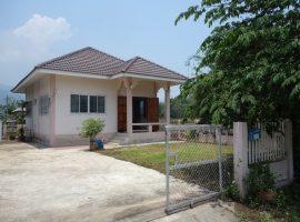 เช่า/ขายบ้านที่ ท่าสุด, เชียงราย : ขนาดที่ดิน 61 ตารางวา, 2 ห้องนอน,6,500 บาท/เดือน