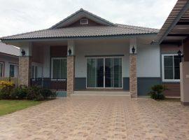 House for sale/rentin Chiang rai: 3 Bedroom,125 Tarangwa, 18,000 Baht/Month, Robwiang.