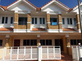 Office Home for sale/rent in Chiang rai: 2 Townhome,17,000 baht/Month, Sankhongluang, Chiang Rai.