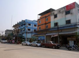 Commercial Building for rent/sale Chiang rai: 25,000 Baht/month, 46 Tarangwa, Robwiang.