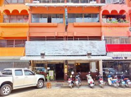 Hotel For sale in Chiang rai: 35 million baht, 34 Sq.wa, 8 rooms/bathroom, Wiang.