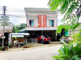 Townhome for sale in Chiang rai : 46 Tarangwa, 2.5 Million Baht, Ropwiang.
