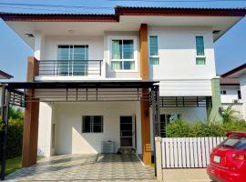 บ้านให้เช่าในหมู่บ้านสินธานี พร้อมเฟอร์นิเจอร์ครบ ริมกก เชียงราย: 3 ห้องนอน, 24,000 บาท/เดือน