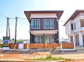 ขายบ้านใหม่เพิ่งสร้าง ใกล้โรงเรียนอินเตอร์ บ้านดู่ เชียงราย : เนื้อที่ 50 ตรว., พื้นที่ใช้สอย 160 ตรม., 3 ห้องนอน, 2.89 ล้านบาท